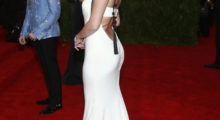 Selena looks elegant in this white dress (Photo Credit: REUTERS)