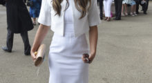 Elizabeth Hurley looking glamorous in all white before the Royal Ascot races begin. (Photo: Reuters)