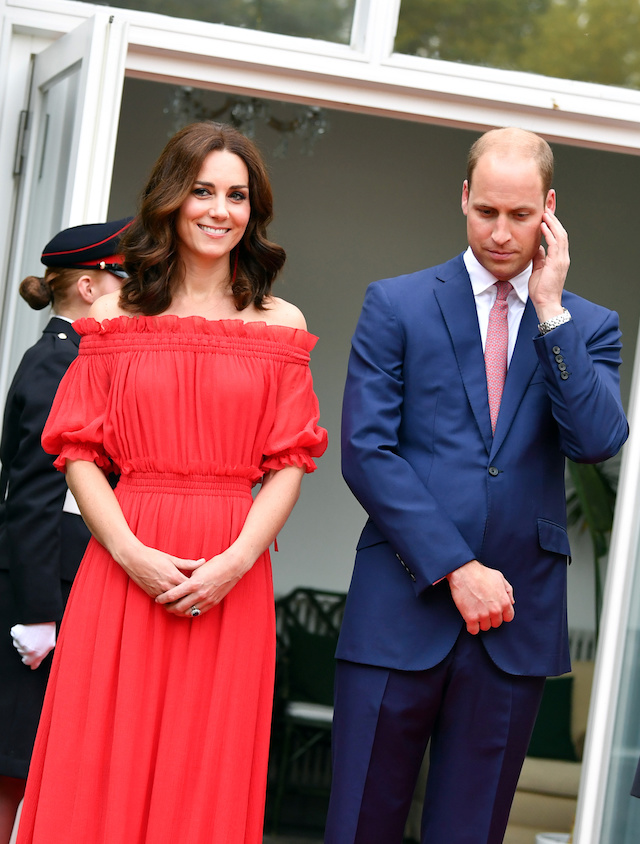 Britain's Prince William and Catherine, Duchess of Cambridge arrive at the 'Queen's Birthday Garten Party' in British ambassador's residence in Berlin, Germany, July 19, 2017. REUTERS/Jens Kalaene/Pool - RTX3C4FH