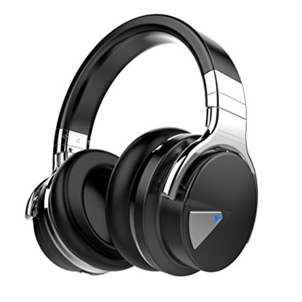 Normally $200, these bestselling headphones are 80 percent off with this code (Photo via Amazon)