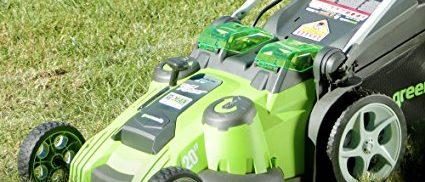 Dual blades and dual batteries (Photo via Amazon)