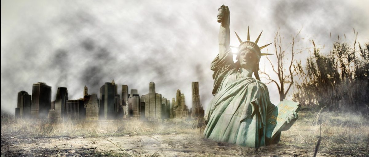 Apocalypse in New york. Fantasy concept about apocalyptic scenario. (Credit: oneinchpunch/Shutterstock)