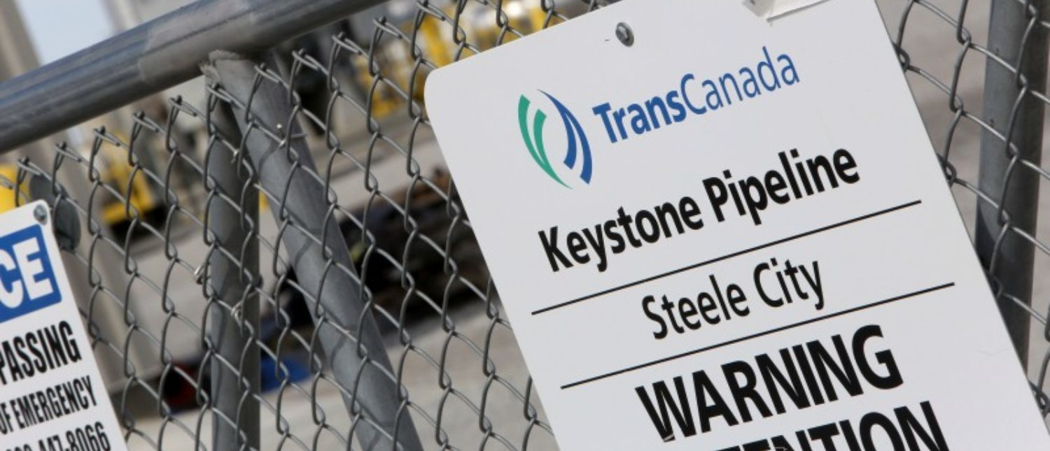 FILE PHOTO - A TransCanada Keystone Pipeline pump station operates outside Steele City, Nebraska, U.S. on March 10, 2014. REUTERS/Lane Hickenbottom/File Photo
