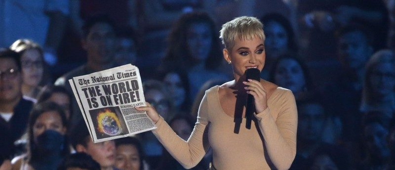 2017 MTV Video Music Awards – Show – Inglewood, California, U.S., 27/08/2017 - Show host Katy Perry speaks on stage. REUTERS/Mario Anzuoni