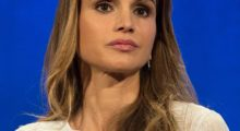 Queen Rania of Jordan attends the Plenary Session: Succeeding in the World's Toughest Places, at the Clinton Global Initiative September 19, 2016 in New York. / AFP / Bryan R. Smith        (Photo credit: BRYAN R. SMITH/AFP/Getty Images)