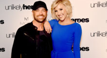(L-R) CMT Host Cody Alan posed for a photo with Savannah Chrisley at City Winery Nashville on May 2, 2017. (Photo: Getty Images)