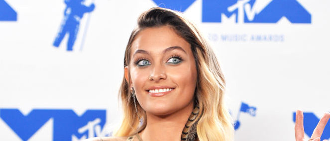 INGLEWOOD, CA - AUGUST 27: Paris Jackson poses in the press room during the 2017 MTV Video Music Awards at The Forum on August 27, 2017 in Inglewood, California. (Photo by Alberto E. Rodriguez/Getty Images)