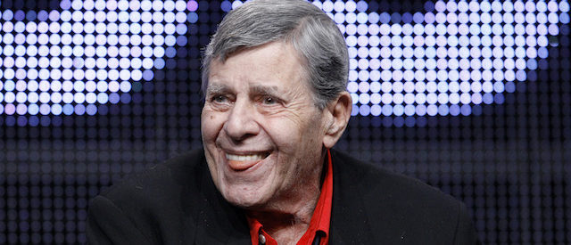 "Actor and comedian Jerry Lewis attends the encore session for ""The Method to the Madness of Jerry Lewis"" at the 2011 Summer Television Critics Association Cable Press Tour in Beverly Hills, California July 29, 2011. REUTERS/Mario Anzuoni (UNITED STATES - Tags: ENTERTAINMENT) - RTR2PFZ2"
