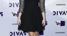 Recording artist Demi Lovato arrives at the VH1 Divas 2012 show in Los Angeles, December 16, 2012. REUTERS/Danny Moloshok (UNITED STATES - Tags: ENTERTAINMENT) - RTR3BO3W