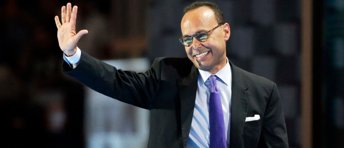 Representative Luis Gutierrez (D-IL) waves. (Photo: REUTERS/Gary Cameron)