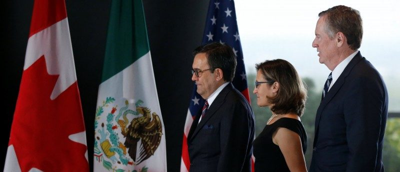 Mexico's Economy Minister Ildefonso Guajardo (L-R), Canada's Foreign Minister Chrystia Freeland and U.S. Trade Representative Robert Lighthizer arrive for a trilateral meeting during the third round of NAFTA talks involving the United States, Mexico and Canada in Ottawa, Ontario, Canada, September 27, 2017. REUTERS/Chris Wattie