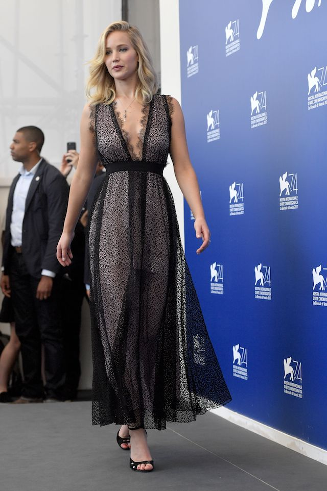 """US actress Jennifer Lawrence attends the photocall of the movie """"Mother"""" presented in competition at the 74th Venice Film Festival on September 5, 2017 at Venice Lido. / AFP PHOTO / Tiziana FABI (Photo credit should read TIZIANA FABI/AFP/Getty Images)"""