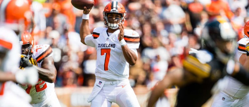 Quarterback DeShone Kizer #7 of the Cleveland Browns passes during the first half against the Pittsburgh Steelers at FirstEnergy Stadium on September 10, 2017 in Cleveland, Ohio. (Photo by Jason Miller/Getty Images)