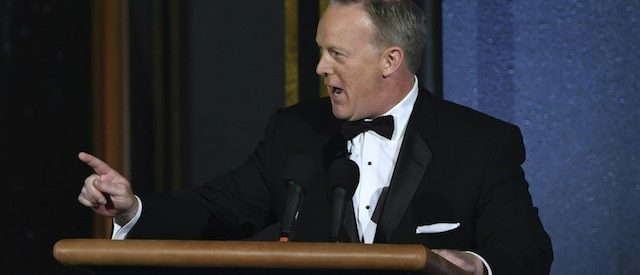 Former White House Press Secretary Sean Spicer speaks onstage during the 69th Emmy Awards at the Microsoft Theatre on September 17, 2017 in Los Angeles, California. / AFP PHOTO / Frederic J. Brown (Photo credit should read FREDERIC J. BROWN/AFP/Getty Images)