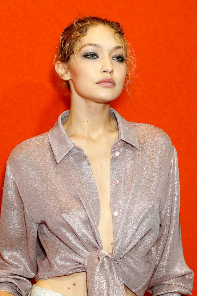 MILAN, ITALY - SEPTEMBER 20: Gigi Hadid is seen backstage ahead of the Alberta Ferretti show during Milan Fashion Week Spring/Summer 2018on September 20, 2017 in Milan, Italy. (Photo by Tristan Fewings/Getty Images)