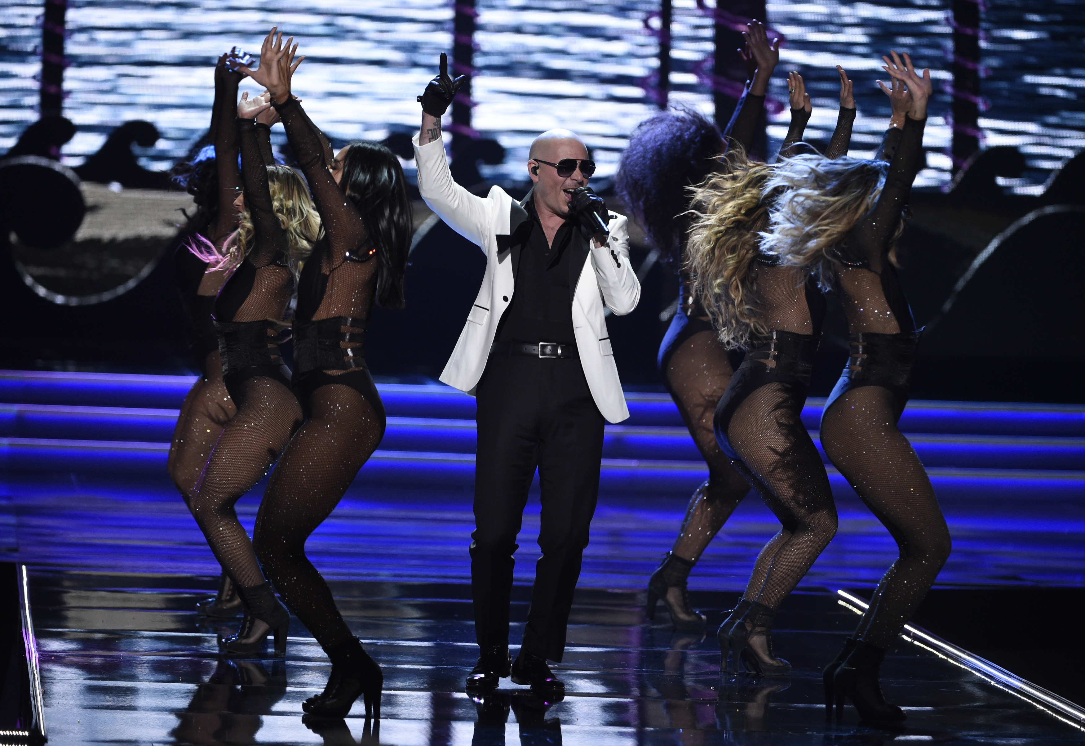 Pitbull Lends Private Jet To Cancer Patients