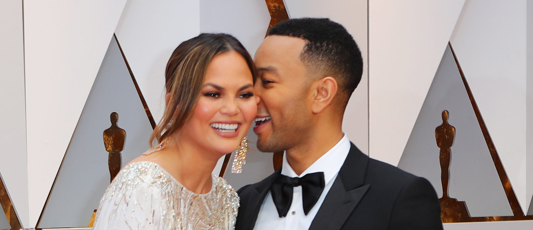 89th Academy Awards - Oscars Red Carpet Arrivals - Hollywood, California, U.S. - 26/02/17 - Chrissy Teigen and John Legend. REUTERS/Mike Blake - HP1ED2R01YQUN