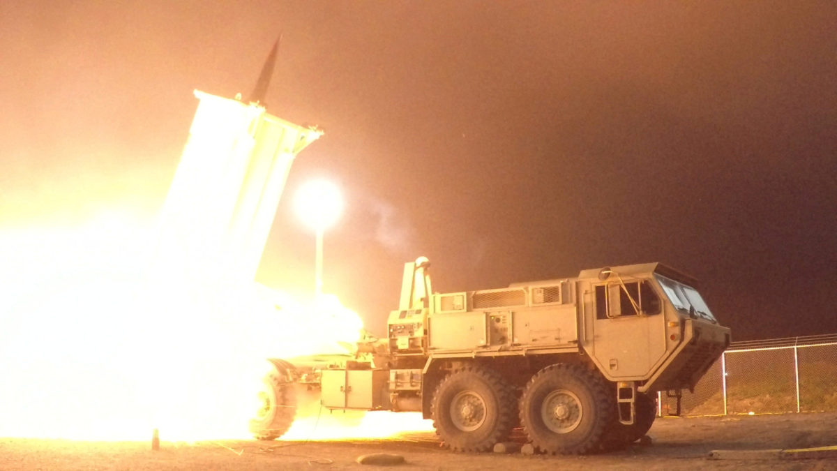 A Terminal High Altitude Area Defense (THAAD) interceptor is launched from the Pacific Spaceport Complex Alaska during Flight Experiment THAAD (FET)-01 in Kodiak, Alaska, U.S. on July 30, 2017. Picture taken on July 30, 2017.    (Photo: Leah Garton/Missile Defense Agency/Handout via REUTERS)
