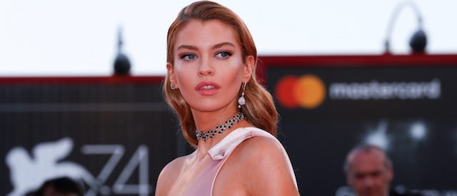 "Stella Maxwell poses as she arrives during a red carpet event for the movie ""Mother!"" at the 74th Venice Film Festival in Venice, Italy, Italy September 5, 2017. REUTERS/Alessandro Bianchi - RC169719B800"