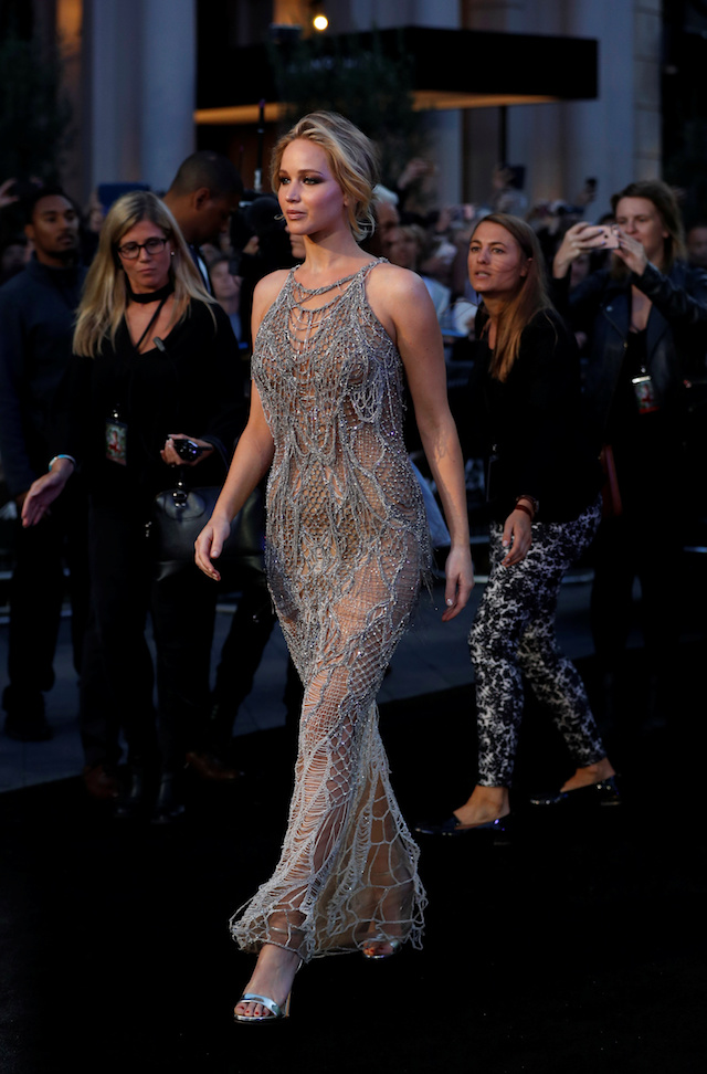"Cast member Jennifer Lawrence arrives for the UK premiere of ""Mother"" in London, Britain September 6, 2017. REUTERS/Peter Nicholls - RC181FB03D10"