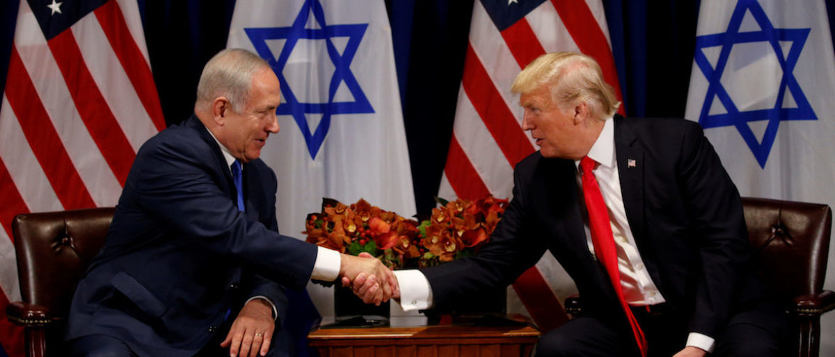 U.S. President Donald Trump meets with Israeli Prime Minister Benjamin Netanyahu in New York, U.S., September 18, 2017. (Photo: REUTERS/Kevin Lamarque)
