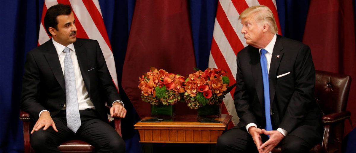 U.S. President Donald Trump meets with Qatar's Emir Sheikh Tamim bin Hamad al-Thani in New York, U.S., September 19, 2017. REUTERS/Kevin Lamarque - RC1EC612CAF0