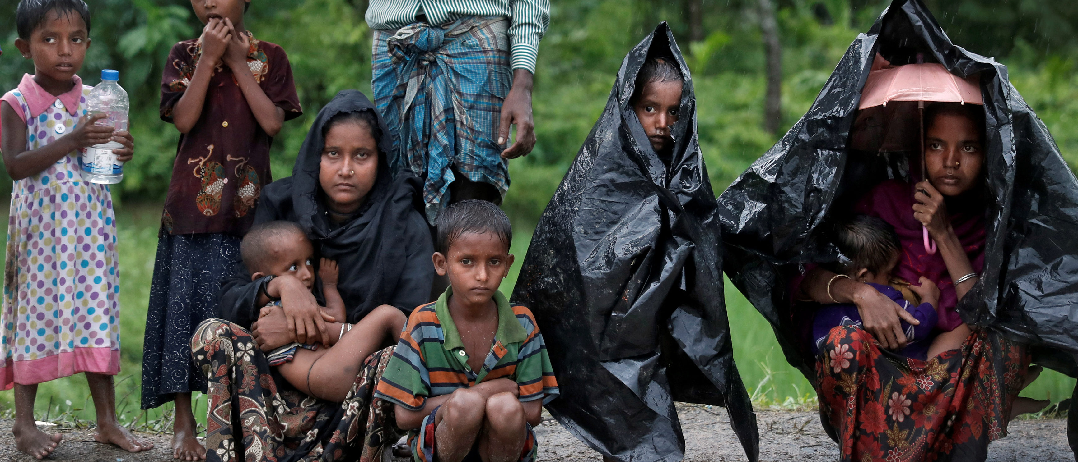 Rohingya refugees wait for aid in Cox's Bazar, Bangladesh, September 20, 2017. REUTERS/Cathal McNaughton