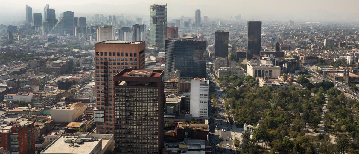 Shutterstock/ Mexico, Mexico City -16 January 2017: Mexico City panorama with skyscrapers Polanco in background, north view. Shutterstock/ Leonardo Emiliozzi