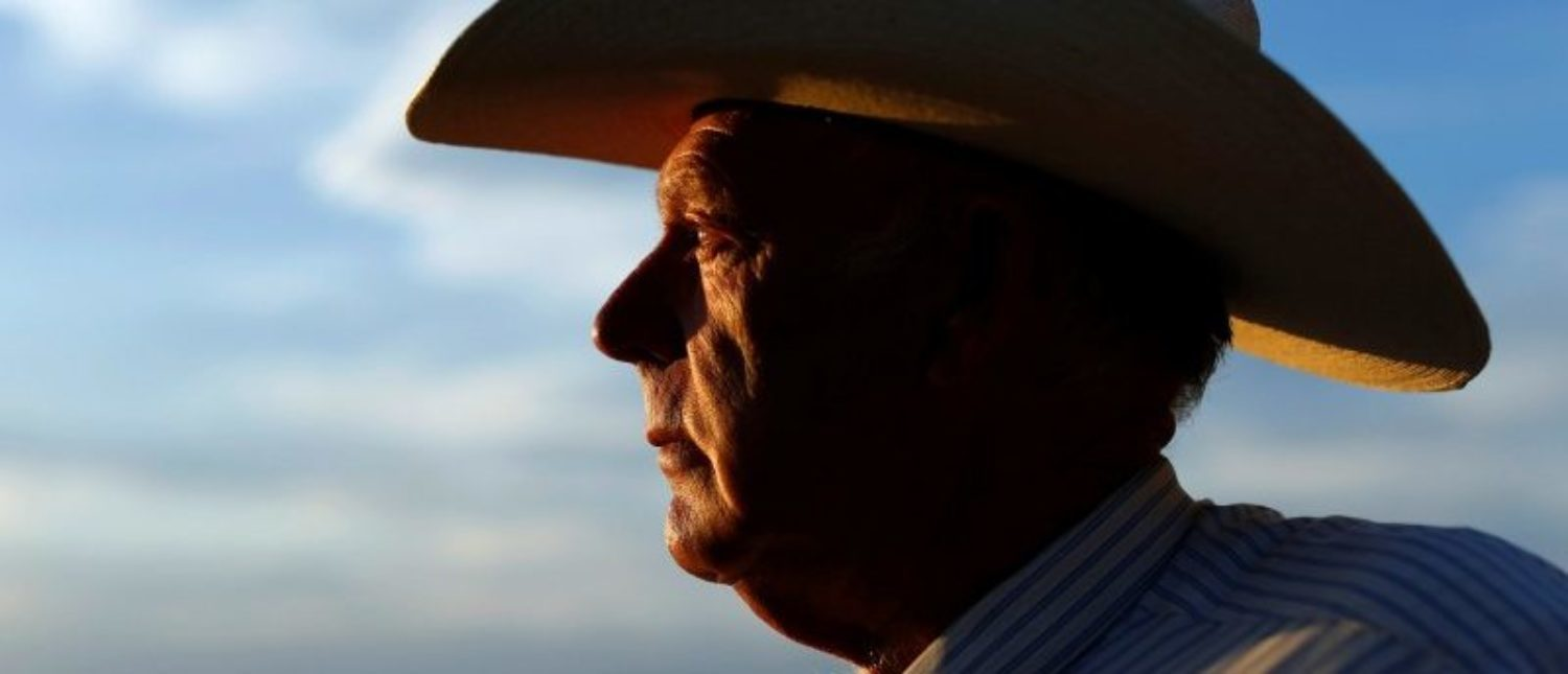 """""""Judge Declares Mistrial in Bundy Standoff Case """" - After Gov't Misconduct Discovered  2017-10-30T100542Z_1_LYNXMPED9T0JH_RTROPTP_4_NEVADA-MILITIA-e1513796428659"""