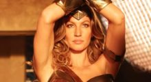 Gisele Bündchen blows everyone away in this Wonder Woman outfit. (Photo: Instagram)