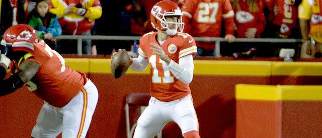 Oct 30, 2017; Kansas City, MO, USA; Kansas City Chiefs quarterback Alex Smith (11) drops back to pass during the first half against the Denver Broncos at Arrowhead Stadium. Mandatory Credit: Denny Medley-USA TODAY Sports - 10381567