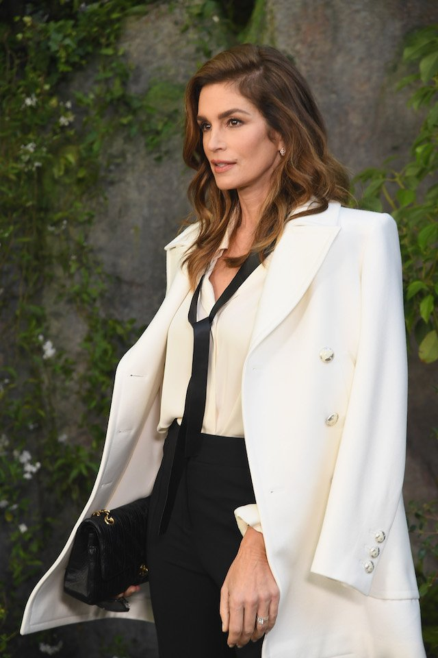 PARIS, FRANCE - OCTOBER 03: Cindy Crawford attends the Chanel show as part of the Paris Fashion Week Womenswear Spring/Summer 2018 on October 3, 2017 in Paris, France. (Photo by Pascal Le Segretain/Getty Images)