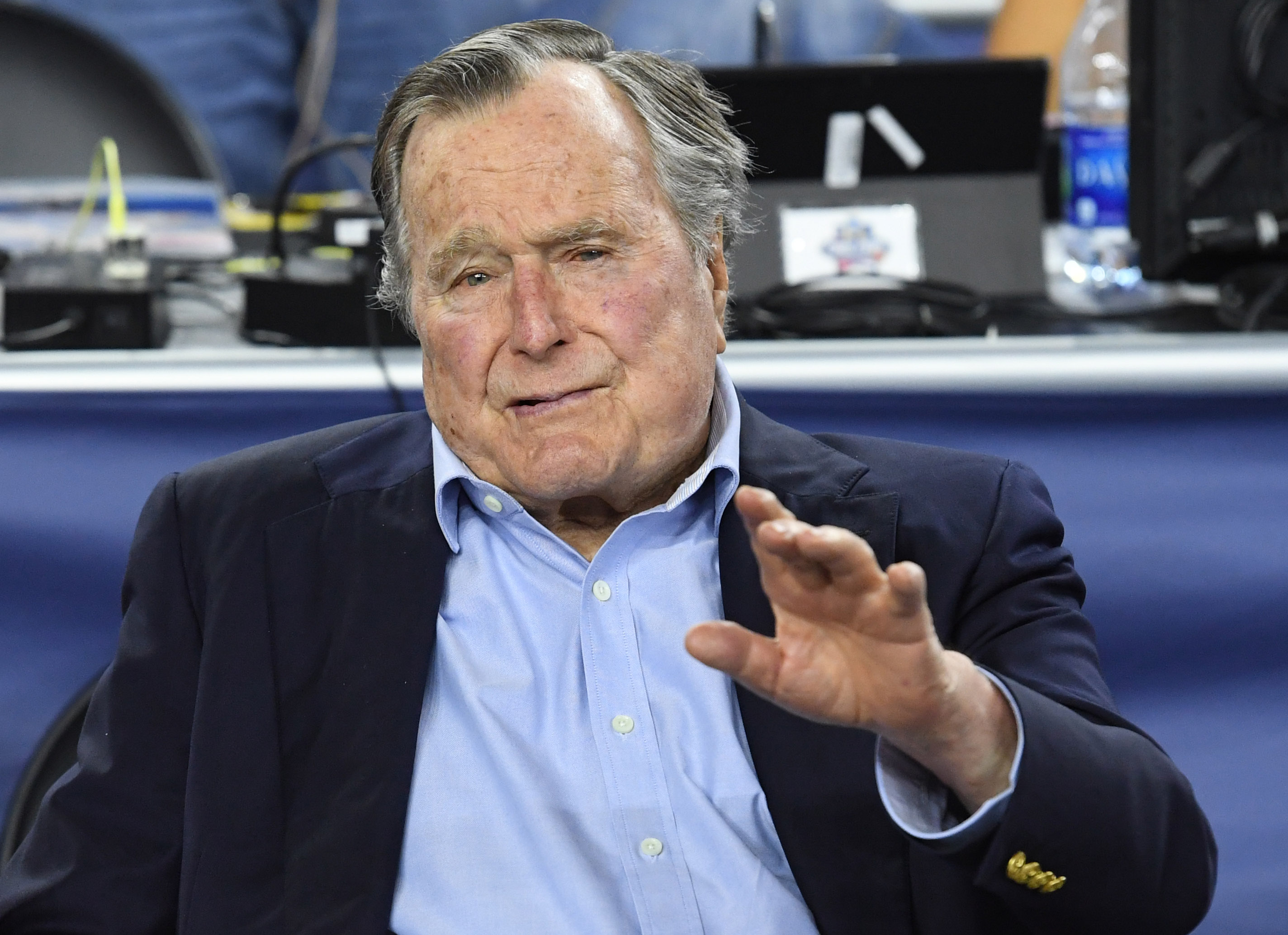 George H.W. Bush's Response To Groping Claims Is Pretty ...
