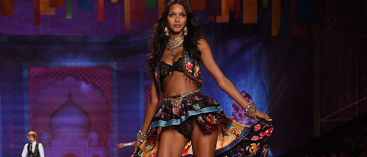 Lais Ribeiro hits the runway during the 2014 Victoria's Secret Fashion Show at Earl's Court exhibition centre in December 2014 in London, England. (Photo by Dimitrios Kambouris/Getty Images for Victoria's Secret)