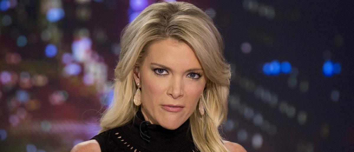 Host Megyn Kelly prepares for her Fox News Channel show 'The Kelly File' in New York September 23, 2015. Picture taken September 23, 2015. REUTERS/Brendan McDermid