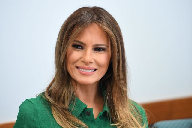 US First Lady Melania Trump attends a roundtbale at Lily's Place, the US first nonprofit infant recovery center that provides services to parents and families dealing with addiction in Huntington, West Virginia, on October 10, 2017. / AFP PHOTO / JIM WATSON (Photo credit should read JIM WATSON/AFP/Getty Images)
