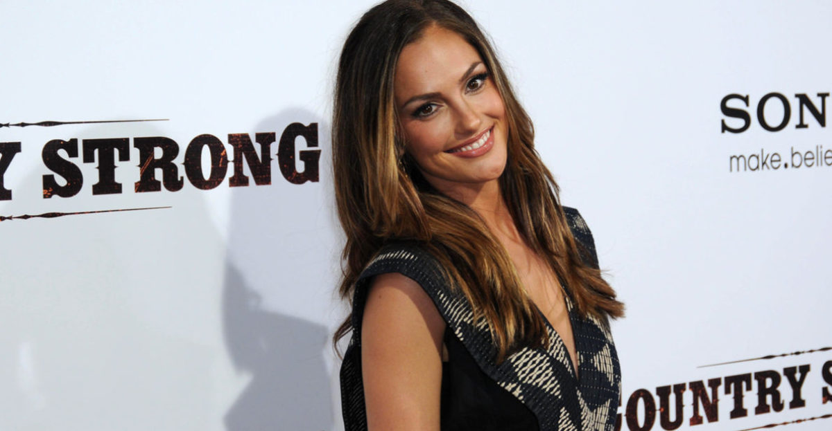 Minka Kelly apologizes for staying silent about Harvey Weinstein.(Shutterstock)