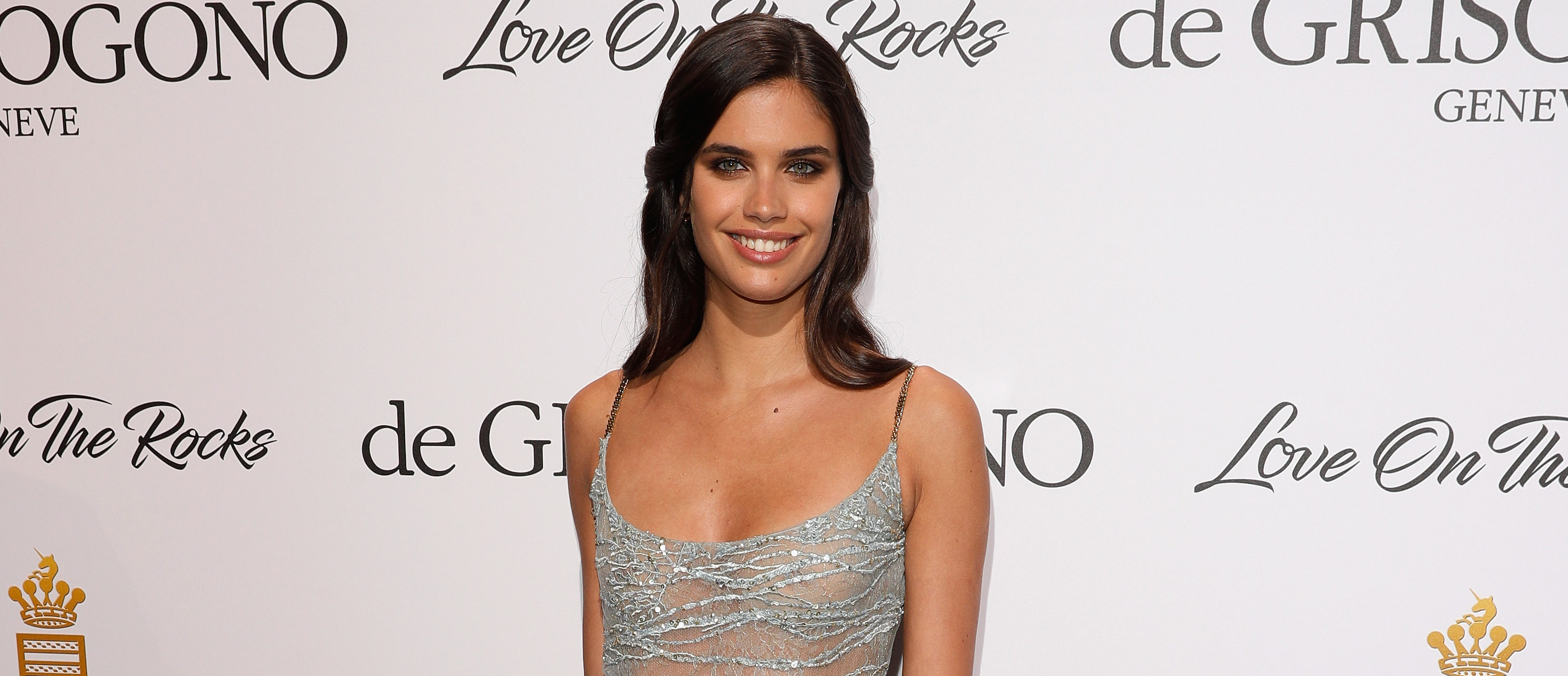 "Sara Sampaio attends the DeGrisogono ""Love On The Rocks"" during the 70th annual Cannes Film Festival at Hotel du Cap-Eden-Roc on May 23, 2017 in Cap d'Antibes, France. (Photo by Andreas Rentz/Getty Images)"