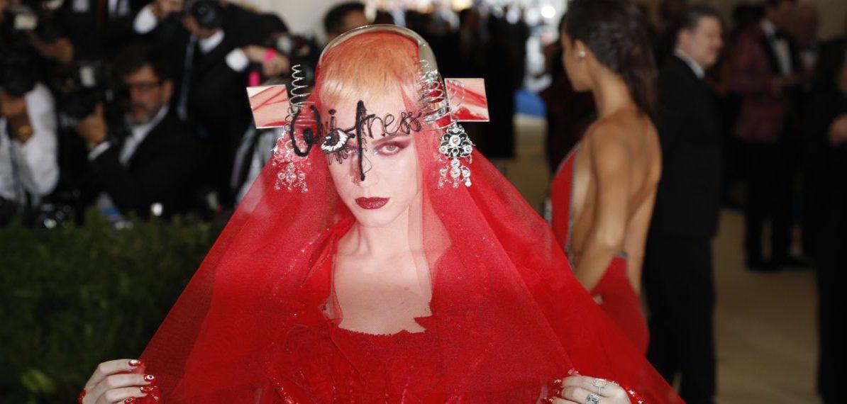 Metropolitan Museum of Art Costume Institute Gala - Rei Kawakubo/Comme des Garcons: Art of the In-Between - Arrivals - New York City, U.S. - 01/05/17 - Singer Katy Perry. REUTERS/Lucas Jackson