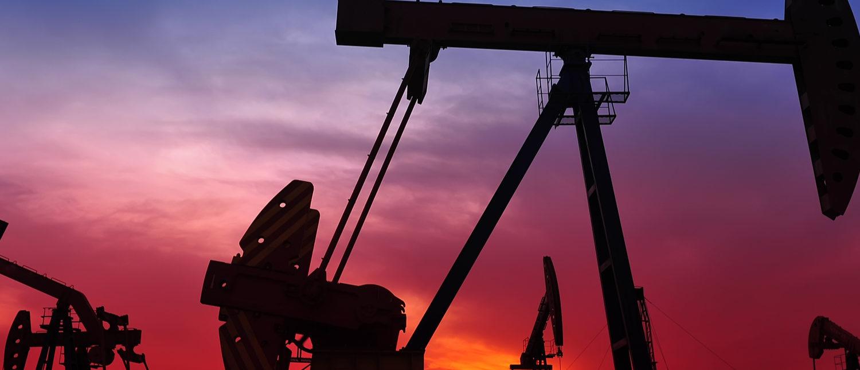 Oil pumps (Shutterstock/QiuJu Song)