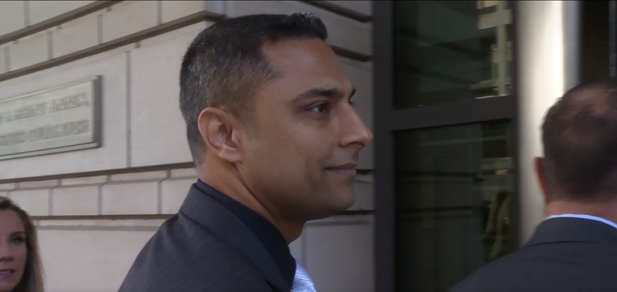 Imran Awan enters federal court Oct. 6, 2017 / One America News | A Pakistani, DWS Laptop And A Phone Booth