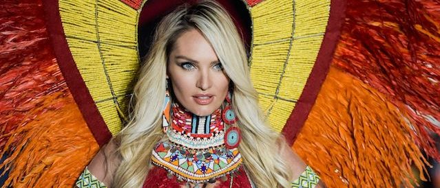 South African model Candice Swanepoel presents a creation during the 2017 Victoria's Secret Fashion Show in Shanghai on November 20, 2017. / AFP PHOTO / FRED DUFOUR / RESTRICTED TO EDITORIAL USE (Photo credit should read FRED DUFOUR/AFP/Getty Images)
