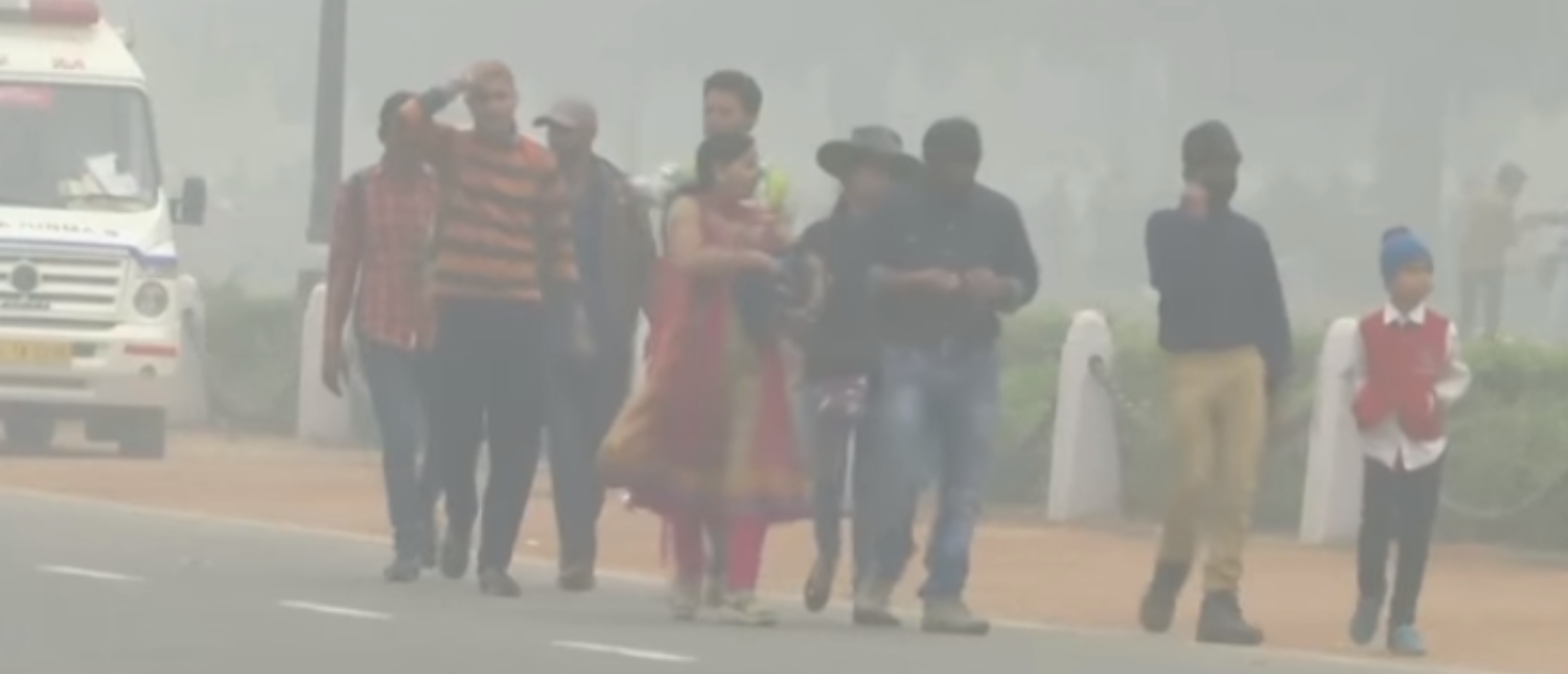 Air pollution drenches New Delhi in 2016. (Photo Credit: YouTube/Wall Street Journal)