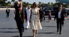 U.S. President Donald Trump and first lady Melania Trump arrive aboard Air Force One at Hickam Air Force Base, Hawaii, U.S. November 3, 2017. REUTERS/Jonathan Ernst - RC1C066CF5D0