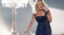 "Miranda Lambert performs ""Mama's Broken Heart"" during the 48th ACM Awards in Las Vegas April 7, 2013. REUTERS/Mario Anzuoni  (UNITED STATES  Tags: Entertainment) (ACM-SHOW) - TB3E94805O45X"