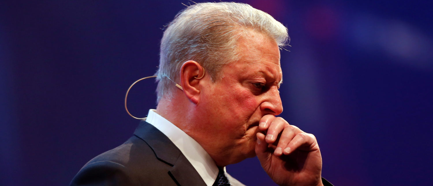 Al Gore chairman of Generation Investment Management gestures during the Web Summit, Europe's biggest tech conference, in Lisbon, Portugal, November 9, 2017. REUTERS/Pedro Nunes - RC14DF605DC0
