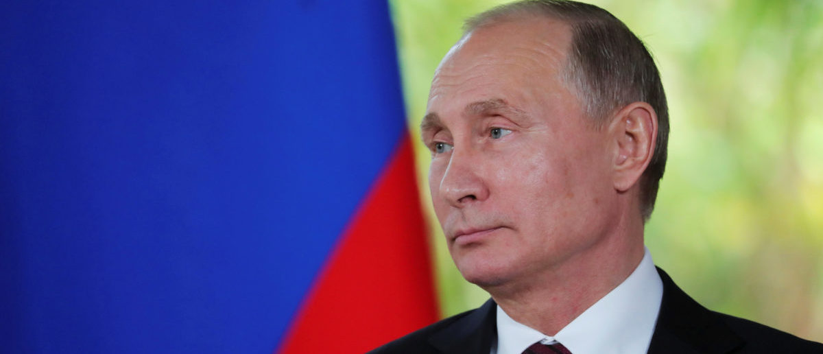 Russian President Vladimir Putin attends a briefing for reporters at the end of the APEC summit in Danang, Vietnam November 11, 2017. Sputnik/Mikhail Klimentyev/Kremlin via REUTERS