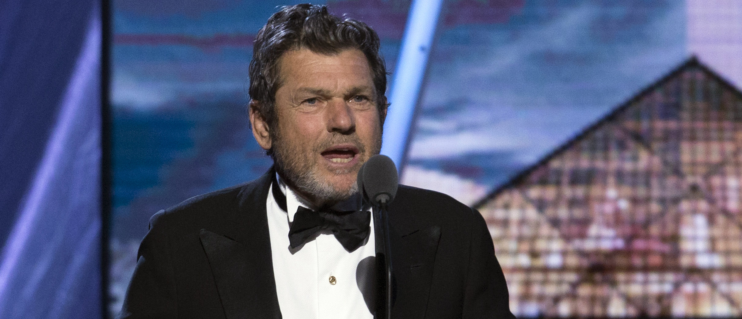Jann Wenner, co-founder and publisher of Rolling Stone magazine, speaks during the 29th annual Rock and Roll Hall of Fame Induction Ceremony at the Barclays Center in Brooklyn, New York April 10, 2014. REUTERS/Lucas Jackson