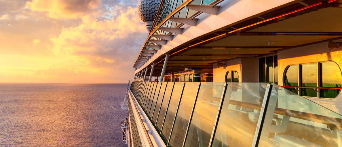 Sunset from the open deck of luxury cruise ship Yevgen Belich/ (Shutterstock)