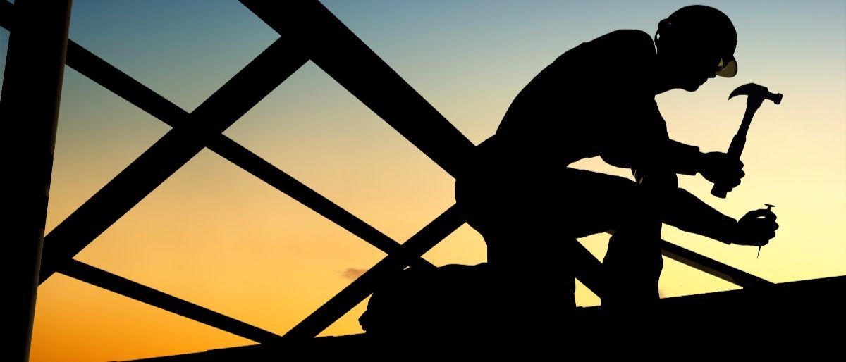 construction worker Shutterstock/iurii